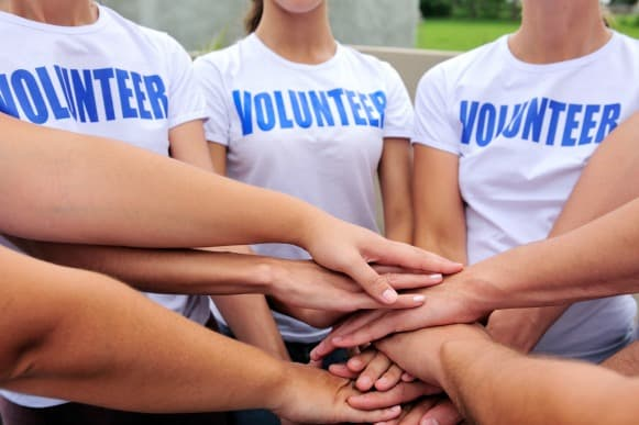 4 Steps to Turn Your Nonprofit's Volunteers into Evangelists